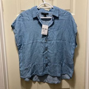 3/20 NWT Forever 21 oversized denim button up top